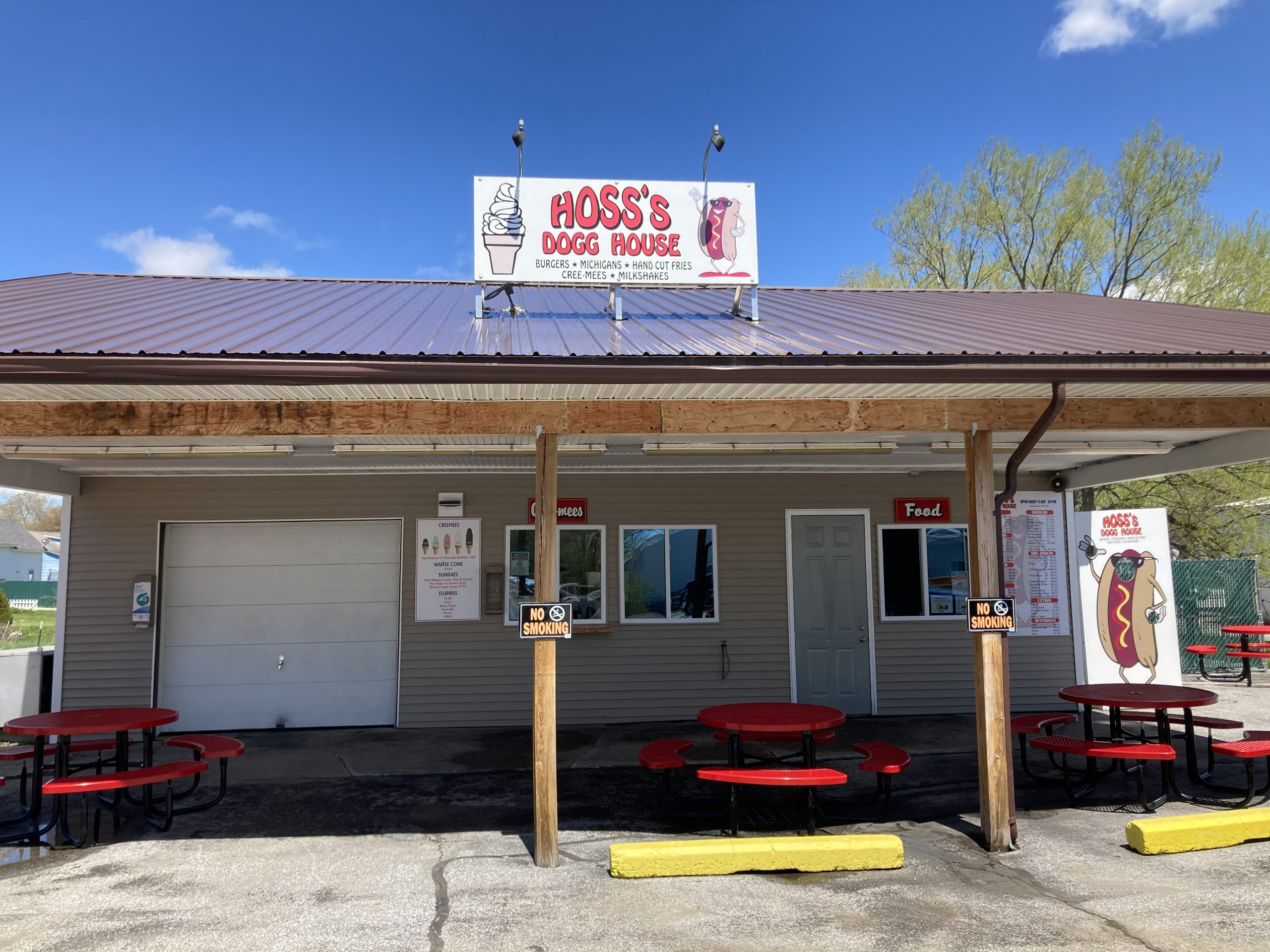Lunch and Dinner at Hoss's Dogg House